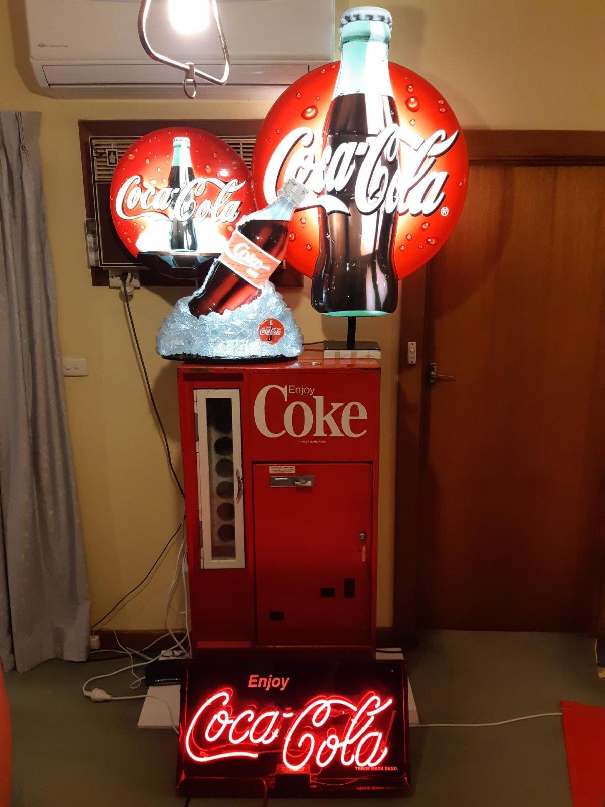 Coke Neon 2.jpg